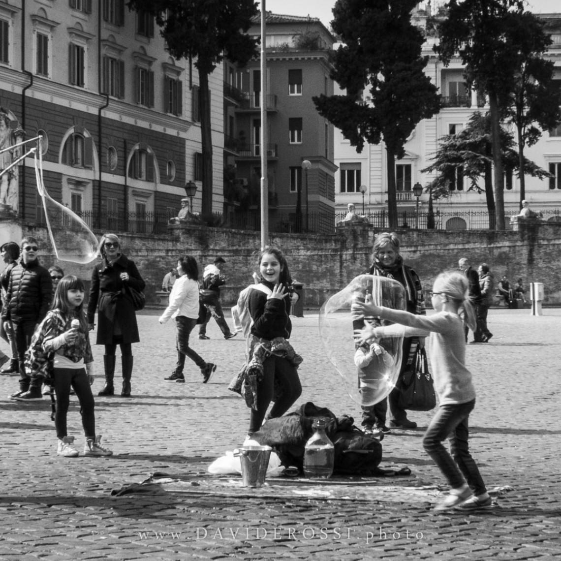 Bolle di sapone / Allegria in piazza